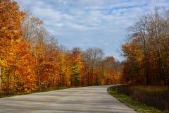 Estrada da queda no nacional representado das rochas Lakeshore, Munising, MI, E.U. Imagens de Stock Royalty Free