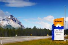 Estrada de Canadá, Columbia Britânica, canadense Montanhas Rochosas Fotografia de Stock Royalty Free