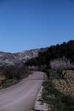Estrada de enrolamento na paisagem cênico de Alicante, Espanha Imagens de Stock Royalty Free