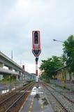 Estrada de ferro com sinal Fotos de Stock