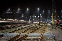 Estrada de ferro da noite Imagem de Stock Royalty Free