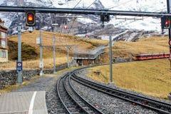 A estrada de ferro do inverno na montanha Imagens de Stock