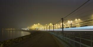 Estrada de ferro e lago Imagem de Stock Royalty Free