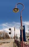 Estrada de ferro & Lampost Imagem de Stock