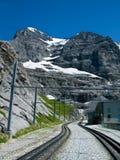 Estrada de ferro na montanha de Eiger fotos de stock royalty free