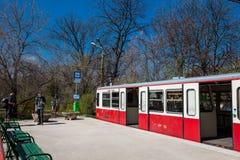 A estrada de ferro que famosa da roda denteada de Budapest um transporte p?blico hist?rico abriu primeiramente em 1874 imagem de stock
