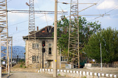 Estrada de ferro, tangentes e sinal raiway foto de stock