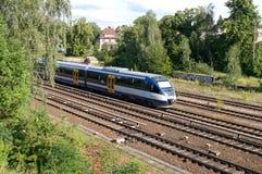 Estrada de ferro. Trem de alta velocidade. fotos de stock