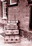 Estrada de ferro velha da bagagem Fotos de Stock Royalty Free