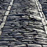 Estrada de pedra antiga medieval imagem de stock