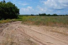 Estrada de Sandy & dia de verão imagens de stock