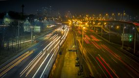 Estrada de surpresa do tráfego da noite de Coreia Seoul Imagens de Stock Royalty Free