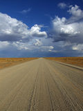Estrada de terra namibiana foto de stock royalty free