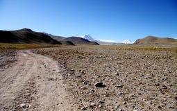 Estrada do cascalho à montanha everest Imagem de Stock