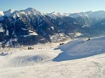 Estrada do esqui nos cumes Imagens de Stock