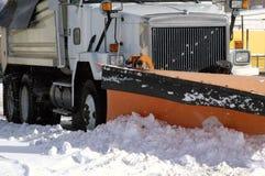 Estrada do inverno do arado de neve Imagens de Stock Royalty Free