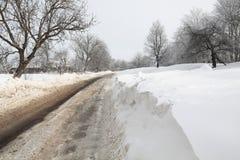 estrada do inverno do Neve-limite Imagem de Stock Royalty Free