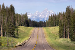 Estrada do leste da aproximação ao parque nacional grande de Teton Fotografia de Stock