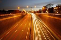 Estrada do tráfego na noite imagem de stock royalty free