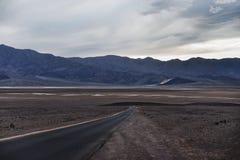 Estrada do Vale da Morte Fotos de Stock Royalty Free