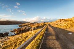 A estrada dourada na ilha de Harris fotos de stock