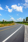 Estrada e céu azul Foto de Stock