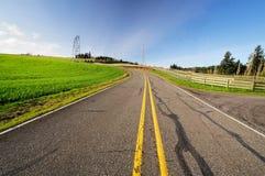 Estrada e céu bonitos Foto de Stock Royalty Free