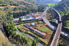 Estrada e estrada de ferro Foto de Stock