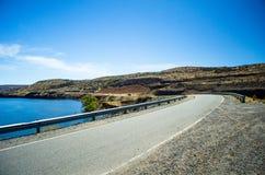 Estrada e lago Foto de Stock Royalty Free