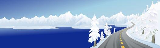 Estrada e lago da montanha Imagem de Stock Royalty Free