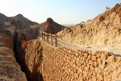 Estrada em Chebika, Tunísia da montanha Imagens de Stock Royalty Free