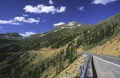 Estrada em Colorado Montanhas Rochosas Imagens de Stock Royalty Free