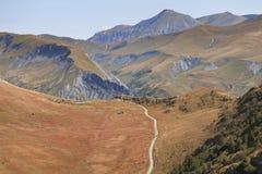 Estrada em cumes franceses em horas de verão fotografia de stock