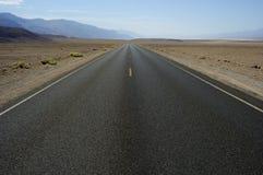 Estrada em Death Valley Imagens de Stock