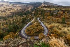 Estrada em ferradura em Rowena Crest, Oregon imagem de stock