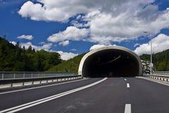 Estrada a escavar um túnel Foto de Stock