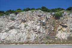 Estrada estreita perigosa em Montenegro Fotos de Stock Royalty Free
