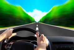 Estrada expressa que desaparece sobre o horizonte Fotografia de Stock