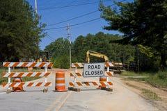 Estrada fechada e equipamento Fotografia de Stock Royalty Free