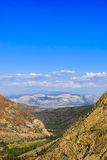 Estrada 120, floresta nacional de Inyo, Califórnia, EUA Imagens de Stock Royalty Free