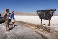 Estrada internacional dos planos de sal de Bonneville, Utá Fotos de Stock