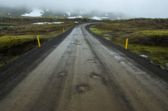 Estrada islandêsa do cascalho Imagem de Stock Royalty Free