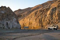Estrada israelita número 34, descida ao Mar Morto fotografia de stock royalty free