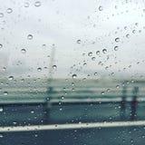 Estrada lateral de vidro do vento da chuva Imagem de Stock