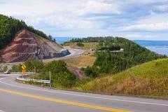 Estrada litoral de enrolamento em Gaspe Quebeque Fotos de Stock