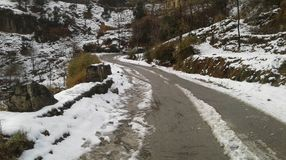 Estrada longa de um Mughal de 84 quilômetros que conecta o distrito de Rajouri & de Poonch na região de Jammu com o distrito de S Imagens de Stock Royalty Free