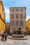 Estrada na cidade velha de Aix-en-Provence, França Foto de Stock Royalty Free
