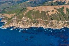 Estrada 1 na foto da antena de Califórnia fotografia de stock royalty free