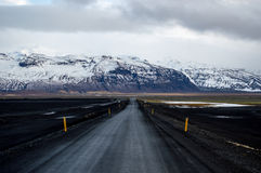 Estrada na montanha da neve Imagem de Stock