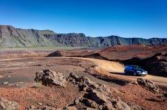 Estrada na paisagem vulcânica imagem de stock